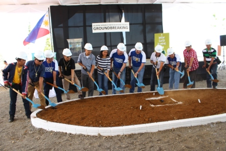 68.8MW hydropower plant groundbreaking2-20150423-111738-20150423-132657