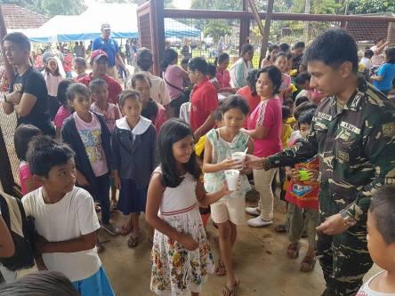 8IB PA schoolchildren feeding